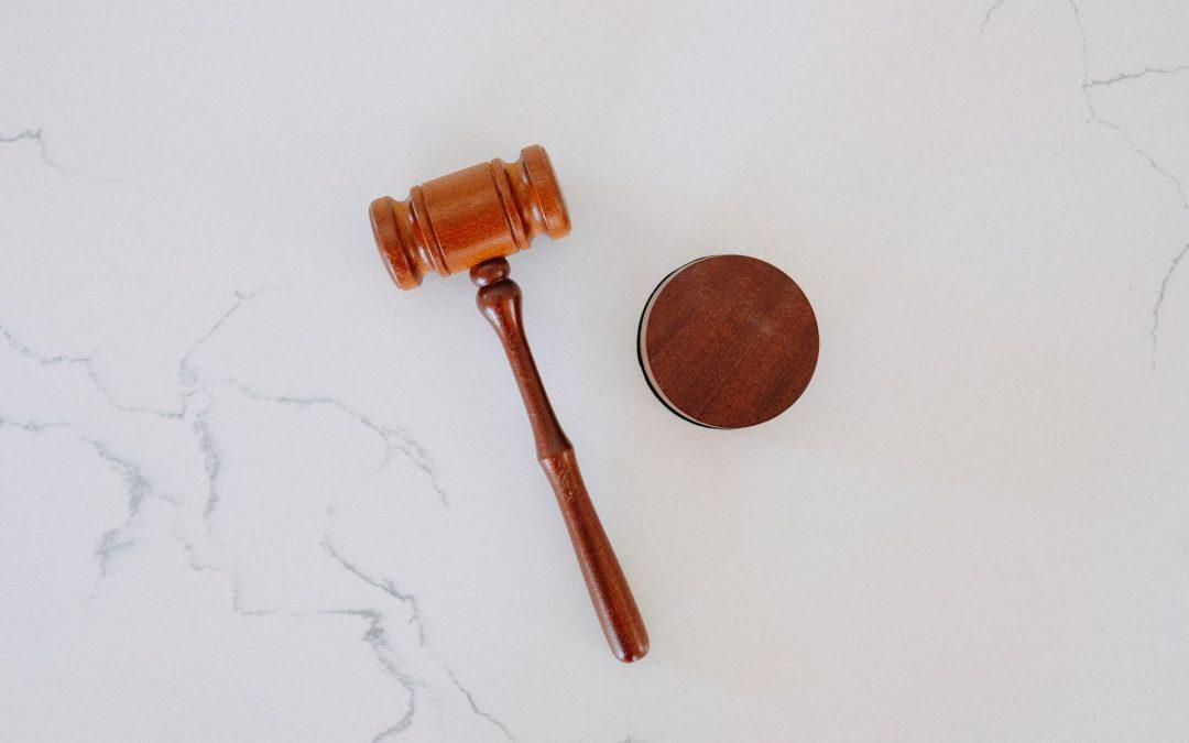 Co daje frankowiczom uchwała Sądu Najwyższego i czy warto na nią czekać?